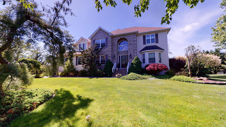 Sold in Saran Woods